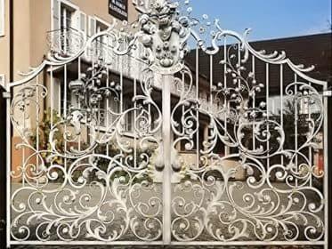 Кованые ворота Альпийское барокко