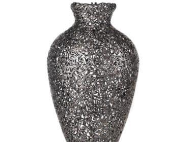 Кованая ваза в стиле эклектика
