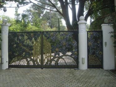 Замечательные ворота