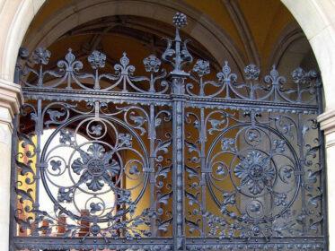 Ворота неоготика