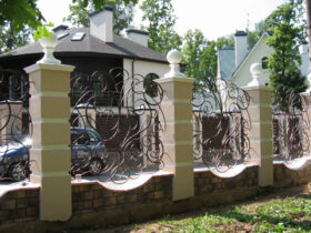 Забор с узорами